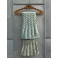 Garnpackung - kl. Schal mit beidseitigen Zöpfen